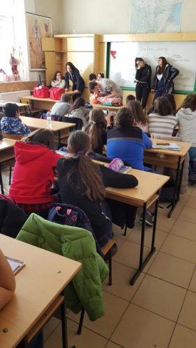 Обучение на ученици от VІІ клас за оказване на първа долекарска помощ