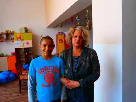 Деца помагат на деца ! Посещение на дом за деца с увреждания!