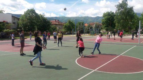 Здрави млади хора, здрава общност